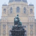 Snow on Maria-Theresien-Platz