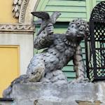 Papagenotor statue