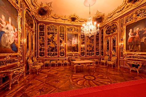 Vieux-Laque room