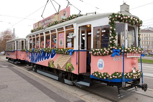 The pink Manner tram
