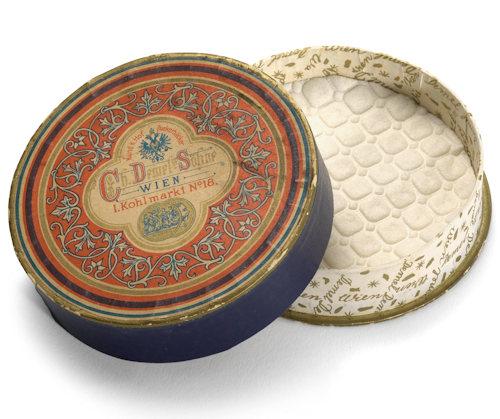 Demel box of chocolates from 1880; Wien Museum